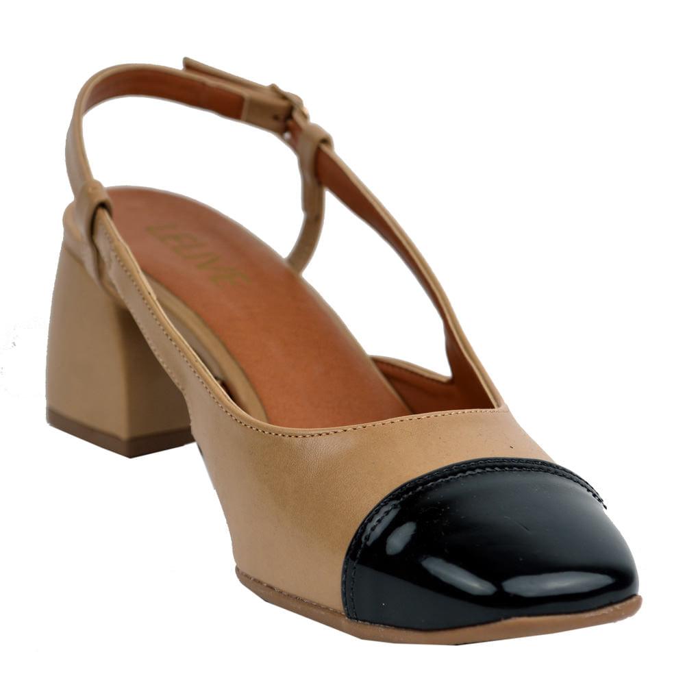 b0bdaf872 Sapato Chanel Salto Quadrado Bege e Preto - Lelive